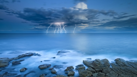 Amazing ocean lightning forces of nature nature for Amazing ocean images