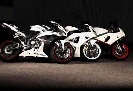 Choose your weapon and let race - motor, 22, white, 2012, 06, picture