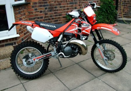 Honda Enduro Bike - bike, offroad, endurance, thrill