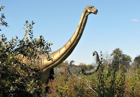 Apatosaurus (Animatronic) - display, nature, forest, dinosaur