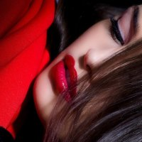 - Red Lips -