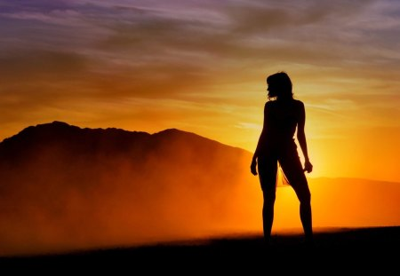 SENSUAL SILHOUTTE - girl, light, sunset, silhouette, color, background