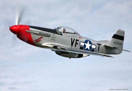 North American P51 Mustang - fighter, mustang, war, usaf, american, p51, ww2, north
