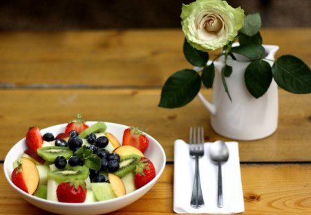 *** So Romantic *** - fruits, salat, plate, roses