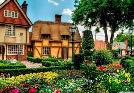 beautiful garden pictures houses photo album typatcom - Beautiful Garden Pictures Houses