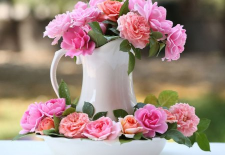 Lovely roses - flowers, delicate, bright colors, petals, blooms, blossoms, nice, still life, tenderness, jar, nature, bouquet, bud