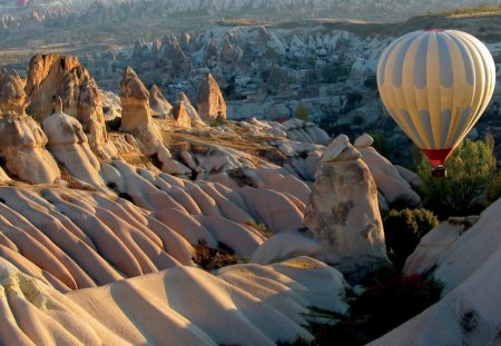 Hot Air Balloon - flight, mountains, hot air balloon, scene