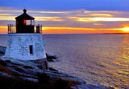 LIGHTHOUSE at DUSK - sunset, sky, sun, sea, lighthouse