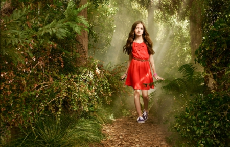 Mackenzie Foy - actress, green, girl, Mackenzie Foy, red, forest, dress