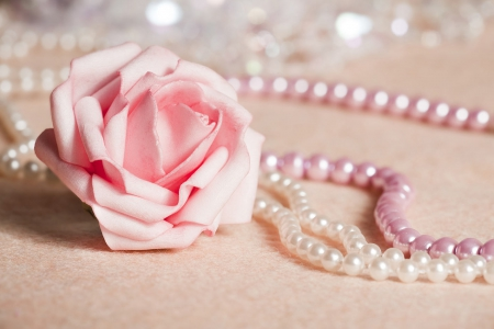 pink flowers and pearls wallpaper