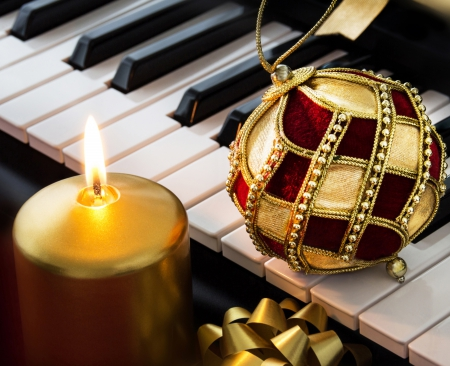 christmas piano wallpaper - photo #10