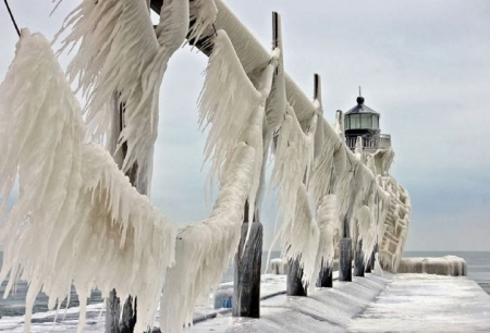 ST JOSEPH LIGHTHOUSE - LIGHTHOUSE, ICE, COLD, FROZEN