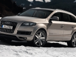 Audi Q7 in the snow
