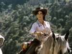 GORGEOUS COWGIRL ON HORSE