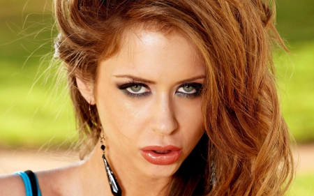 EMILY ADDISON - Lips Wallpapers and Images - Desktop Nexus ...