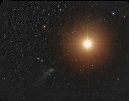 Comet Siding Spring Passes Mars - comet, mars, space, cool, stars, planet, fun