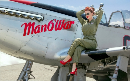 pin up model julie sims posing on a p 51 mustang models female people background wallpapers. Black Bedroom Furniture Sets. Home Design Ideas