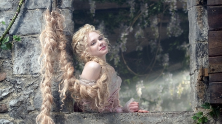 Mackenzie Mauzy as Rapunzel - Movies & Entertainment ...