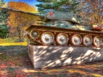 monument of a WWII russian t-34 tank hdr