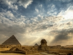 the great pyramids of giza hdr
