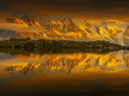 Lake Cheserey - Nature, lake, mountains, clouds, reflection