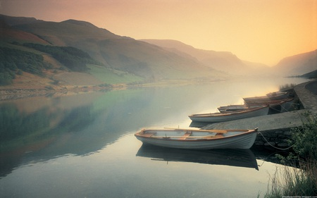 Calm Lake - photography, peaceful, mountain, sunrise, mountains, boats, fog, calm, fantasy, sunset, england, misty, landscape, abstract, lake, rivers, mist, reflection