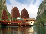 red dragon cruise ha long bay