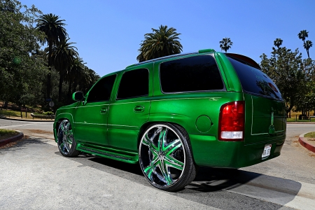 2001 GMC Yukon Rolling on Diablo Wheels - 2001, Suv, GM, Green