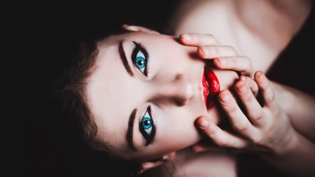Blue Eyes - women, model, eyes, Blue, girl