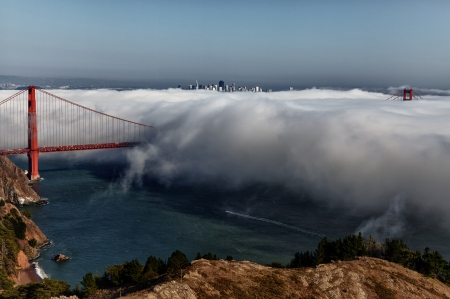 Golden Gate Bridge - The Fog Rolls In - California, Golden Gate Bridge, San Francisco, United States of America