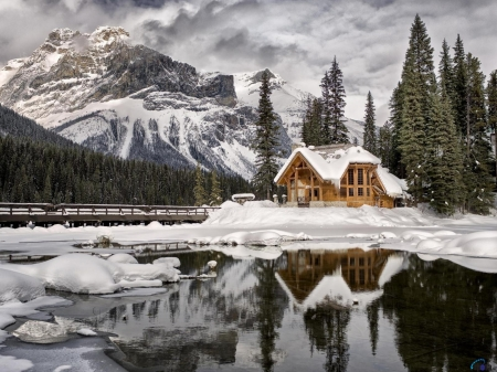 House on the shore of Emerald Lake, Canada - trees, snow, house, shore, mountains, nature, winter, lake, reflection, canada