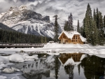 House on the shore of Emerald Lake, Canada