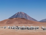 The telescopes of the ALMA array spread across the Chajnantor plateau in Chile