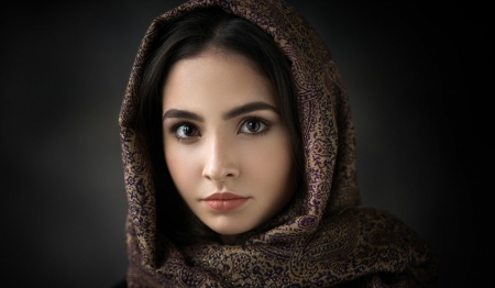 Pretty Face - face, hood, model, woman