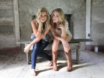 Cowgirls Maddie and Tae