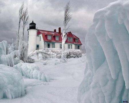 Lighthouse in Winter - ice, winter, lighthouse, trees, snow, nature