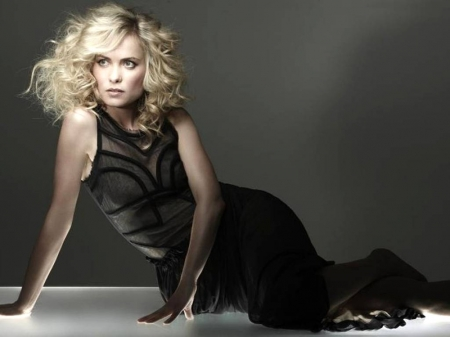 Radha Mitchell - 2017, wallpaper, beautiful, model, Radha, Mitchell, Radha Mitchell, black, actress, dress