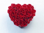Heart-shaped red rose bouquet