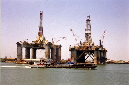 Offshore Deep Water Drilling Rigs - Oil Industry, Offshore Oil, Mobile Alabama, Drilling Rig, Ships