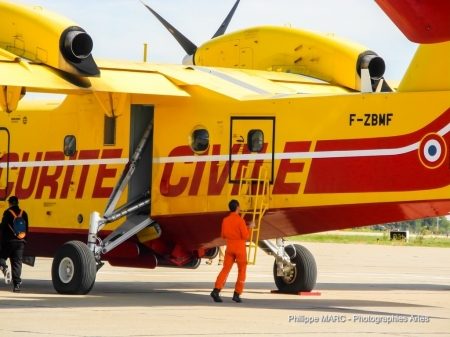P�lican S�curit� Civile - security, canadair, army, aircraft
