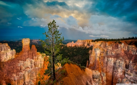 Clouds over Bryce Canyon National Park - Rocks, Nature, National Parks, Mountains, Sky, Clouds, Canyons