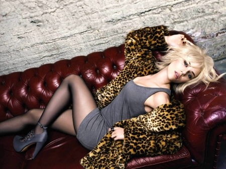 Scarlett Johansson - sofa, heels, 2017, model, beautiful, legs, Johansson, fur, Scarlett, stockings, actress, wallpaper, Scarlett Johansson, dress