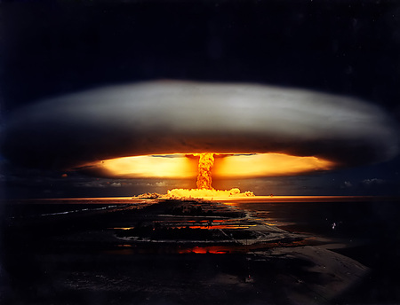 Nuclear Mushroom Cloud - cool, haha, nucular, deadly, cloud, military, explosive, fierey, wow, nuclear, explosion