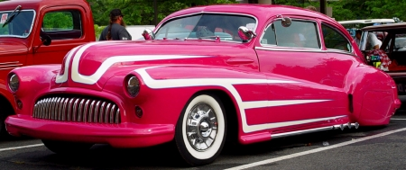 1948 Pink Buick w/White Scallops