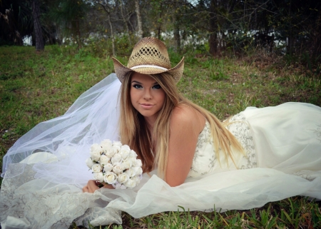 A Cowgirl Bride - Grass, Hat, Beautiful, Hats, White, Women, Cowgirl, Dress, Outside, Models