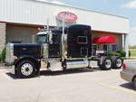 2007 Peterbilt 379 Hanging Out At The Dealership