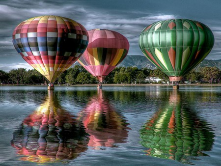 AIR BALLOONS - balloons, water, colorful, reflection