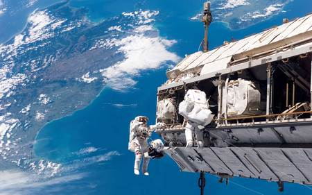 Astronauts in orbit (WDS) - space, widescreen, astronauts, wds