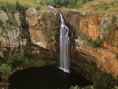 Waterfall in Sabie River, Transvaal, South Africa - scenery, africa, amazing, sabie, orange, rocks, south africa, gray, creeks, water, nice, awesome, cascades, land, green, trees, paisagem, waterfalls, leaf, scenario, moss, paysage, wallpaper, falls, desktop, cenario, cool, beautiful, forests, beauty, foam, foaming, lakes, landscape, photoshop, white, photo, grass, stones, scene, rivers, cena, grasslands, lagoons, paisage, colorful, colors, brown, wonderful, panorama, leaves, photography, wonderfall, plants, nature, natural, transvaal, background, canyons