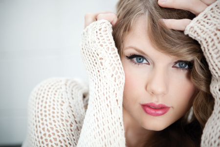 Taylor Swift - cute, swift, taylor swift, singer, taylor